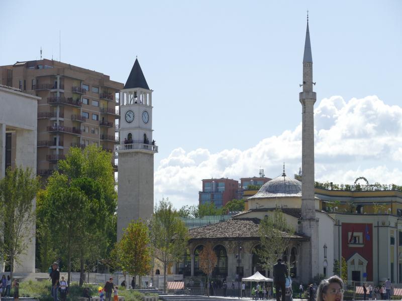Целодневна екскурзия до Круя и Тирана
