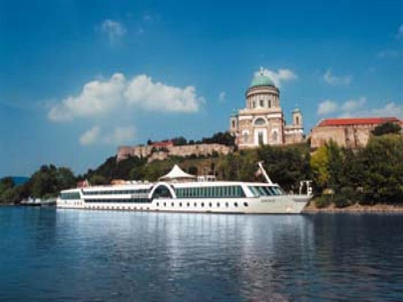 Разходка с корабче по р.Сава и р. Дунав