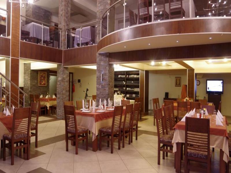 Вечеря в сръбски ресторант с жива музика