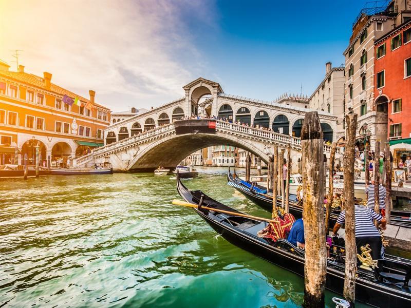 За 14 февруаридо Верона-градът на Ромео и Жулиета