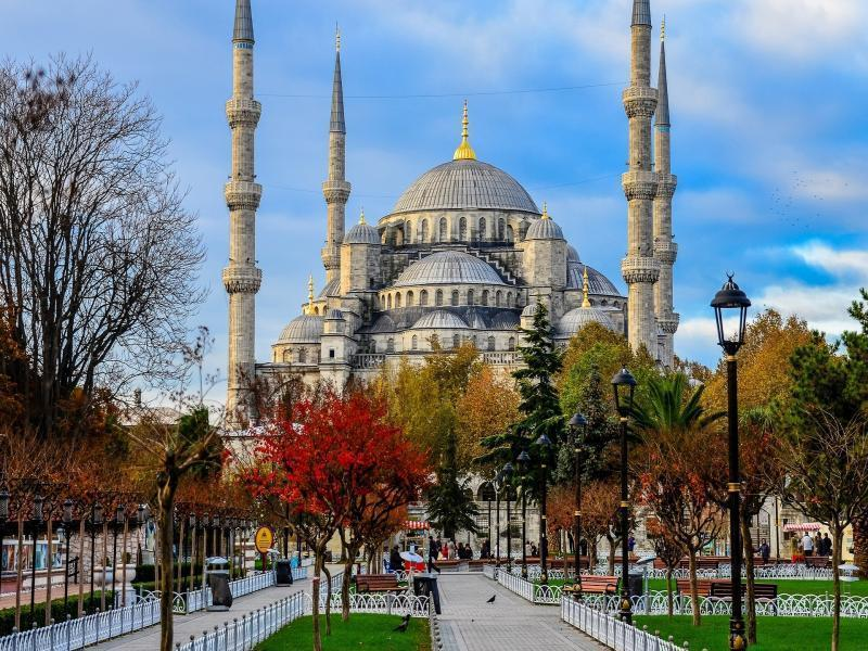 Майски празници в Истанбул с 3 нощувки 2019