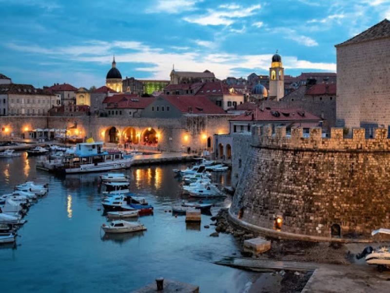 Септемврийски празници Екскурзия до Будва и включено посещение на Дубровник - Перлата на Адриатика