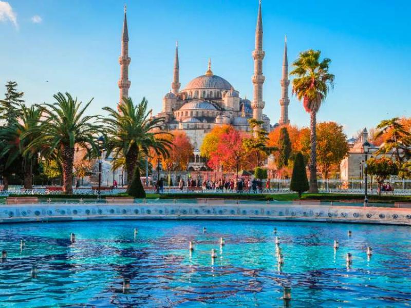 Фестивала на лалето с 3 нощувки в Истанбул