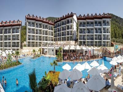 Майски празници в Хотел Ramada Resort Akbuk 4*, Дидим