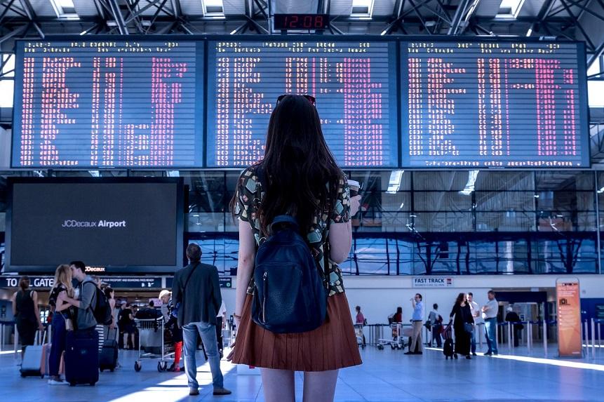 13 съвета, които ще Ви помогнат да преживеете дългите полети