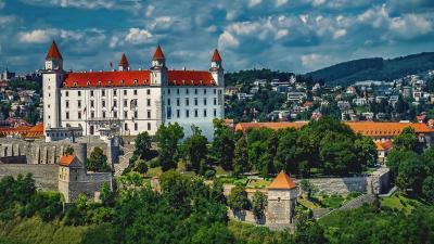 Уикенд в Братислава