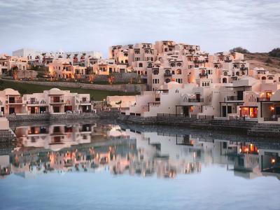 Почивка в Рас Ал Хайма - хотел The Cove Rotana Resort 5*