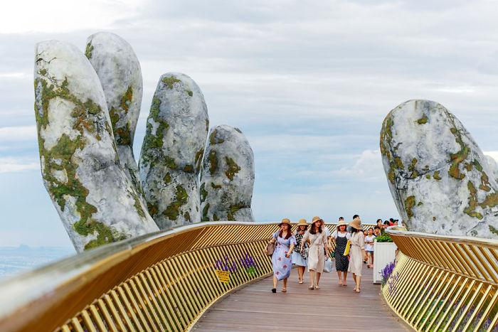 Мост във Виетнам, който все едно е част от декора на Властелина на пръстените