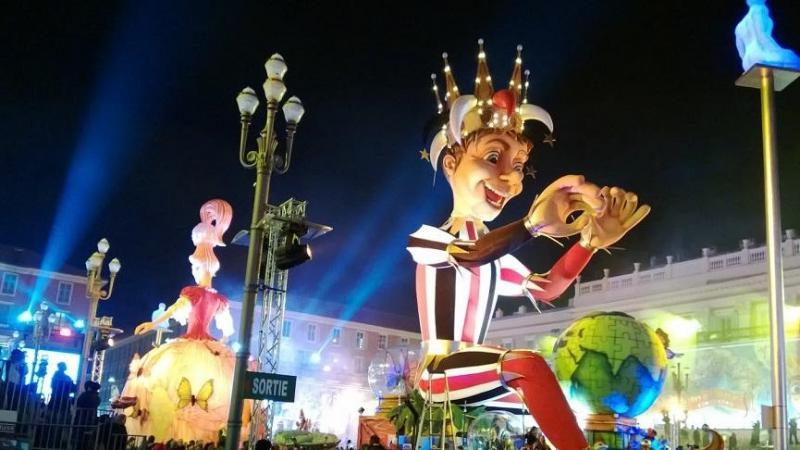 Посещение на фестивала в Ментон-правостоящ