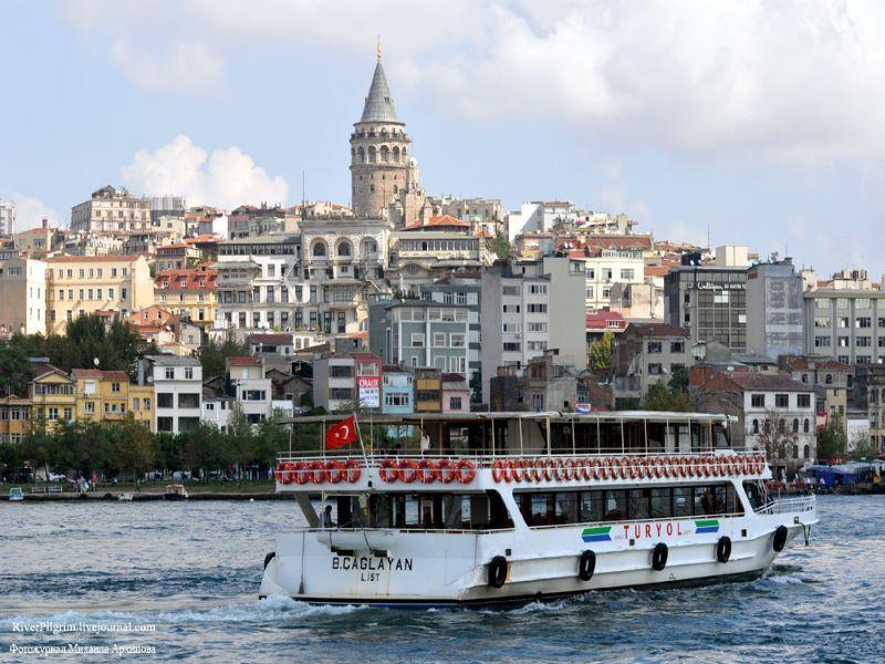 Панорамна разходка с корабче по Босфора