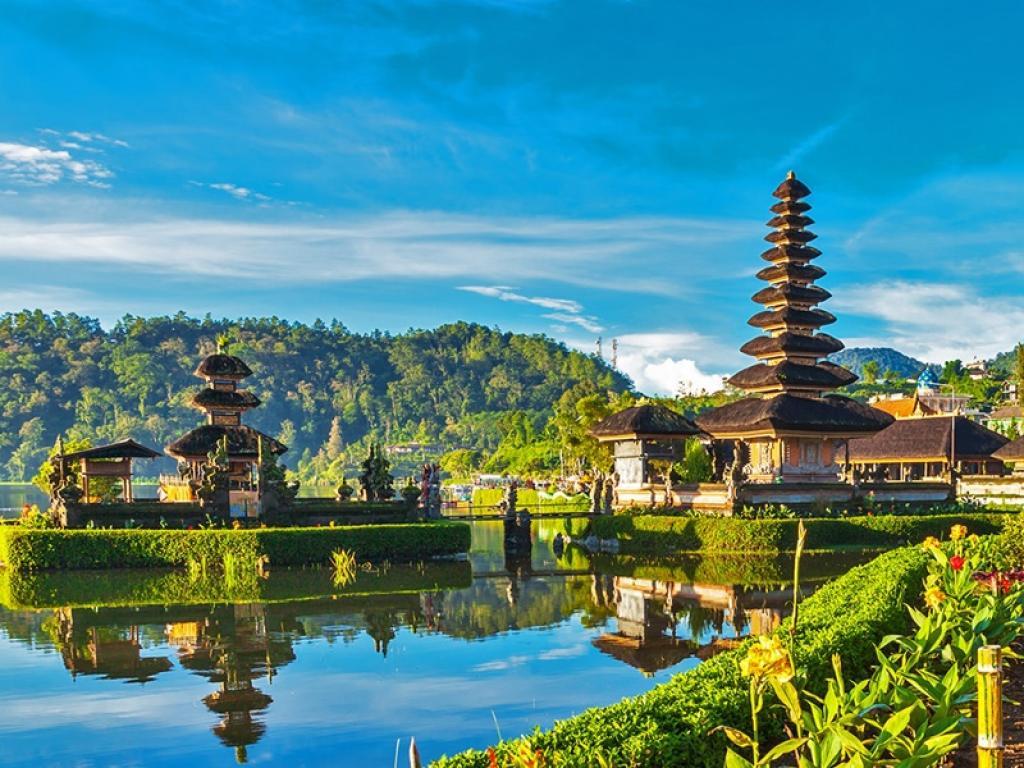 Сингапур и Бали