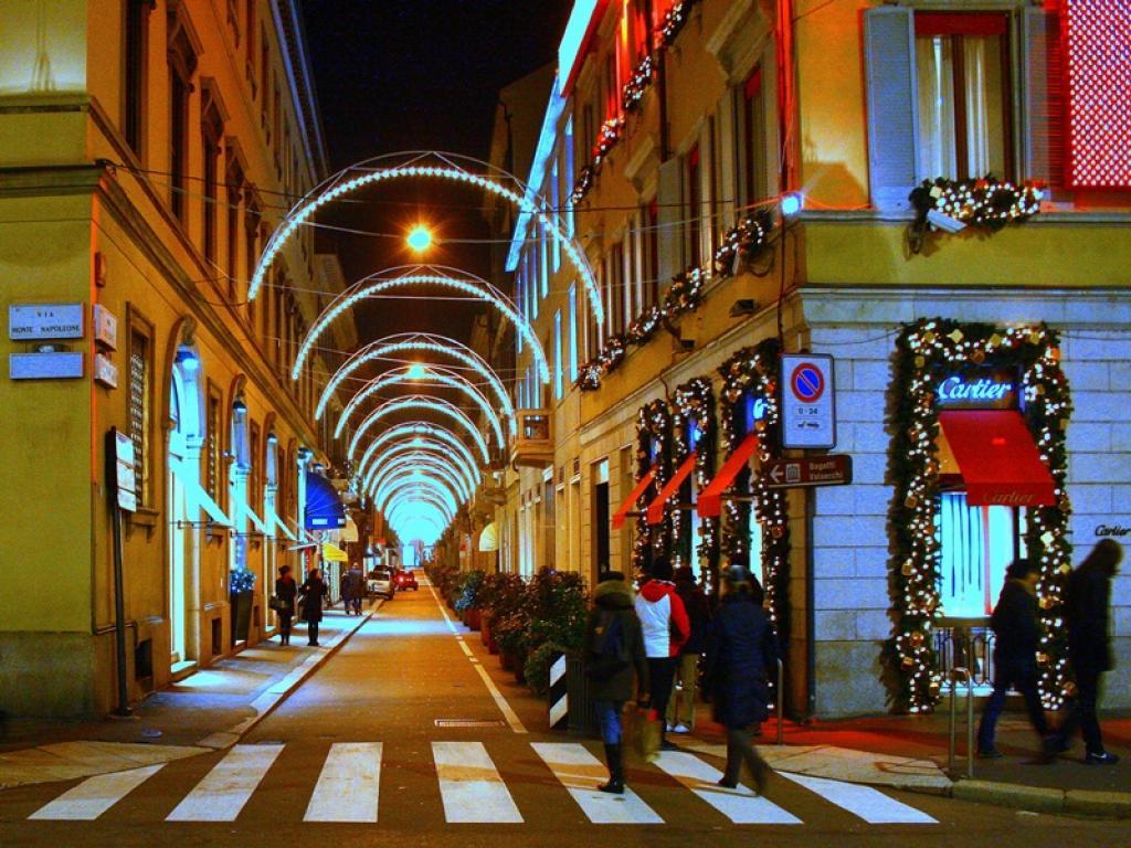 Предколедно настроение в Милано