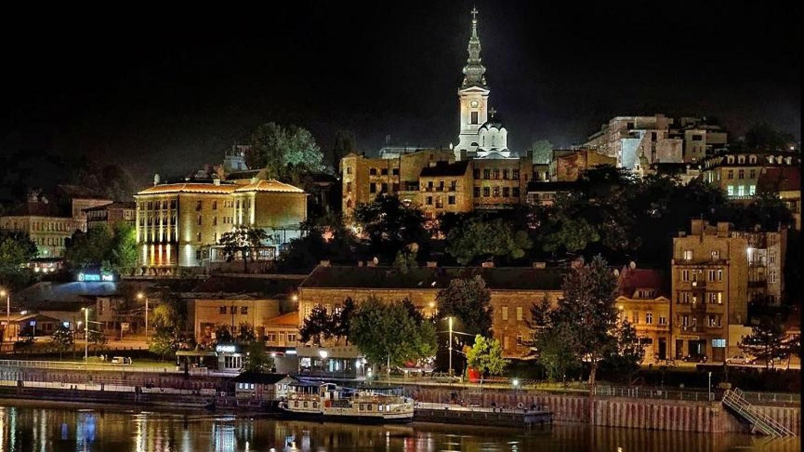 Хотел CROWNE PLAZA 4*, Белград! Собствен транспорт