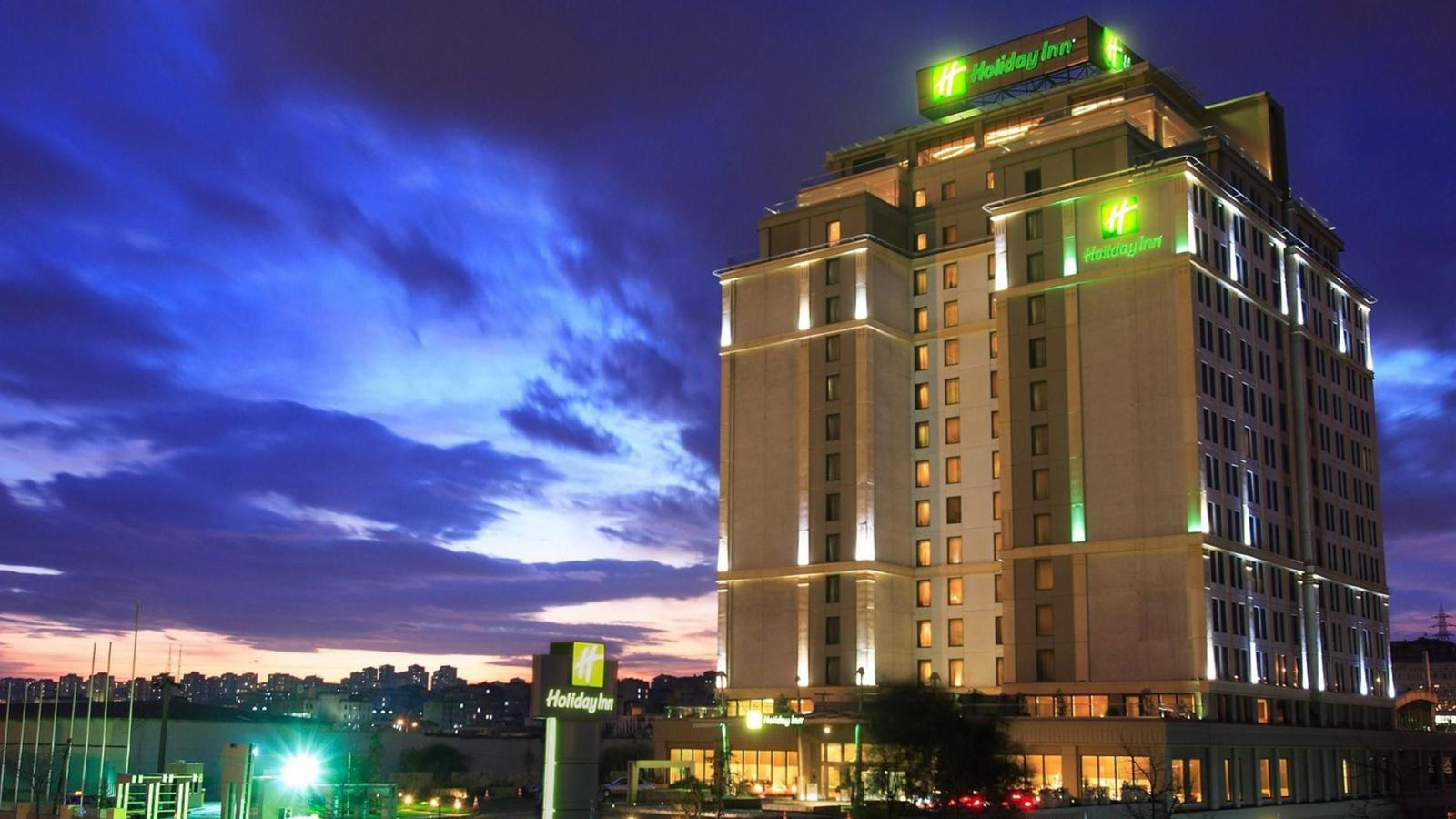 Хотел Holiday Inn 5*