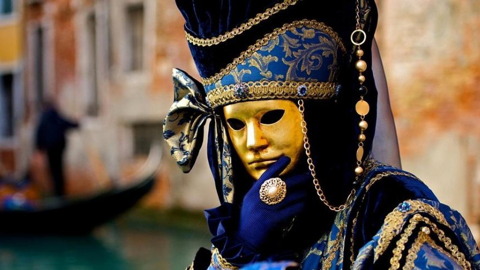 От Варна! Карнавалът във Венеция