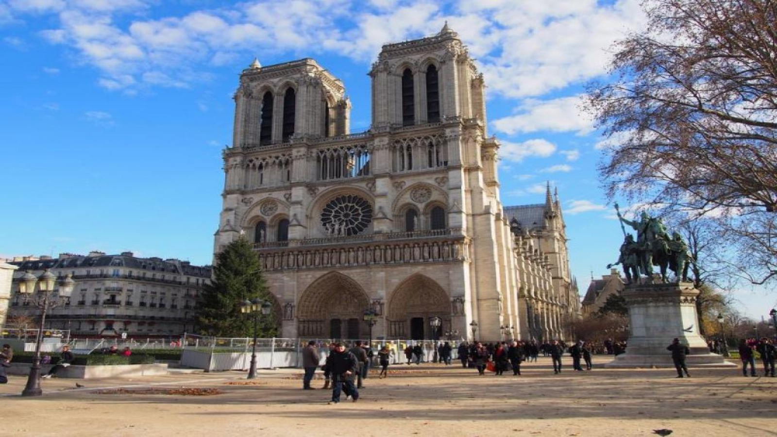 Париж Mon Amour с полет от София