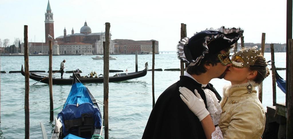 Свети Валентин във Верона и Венеция