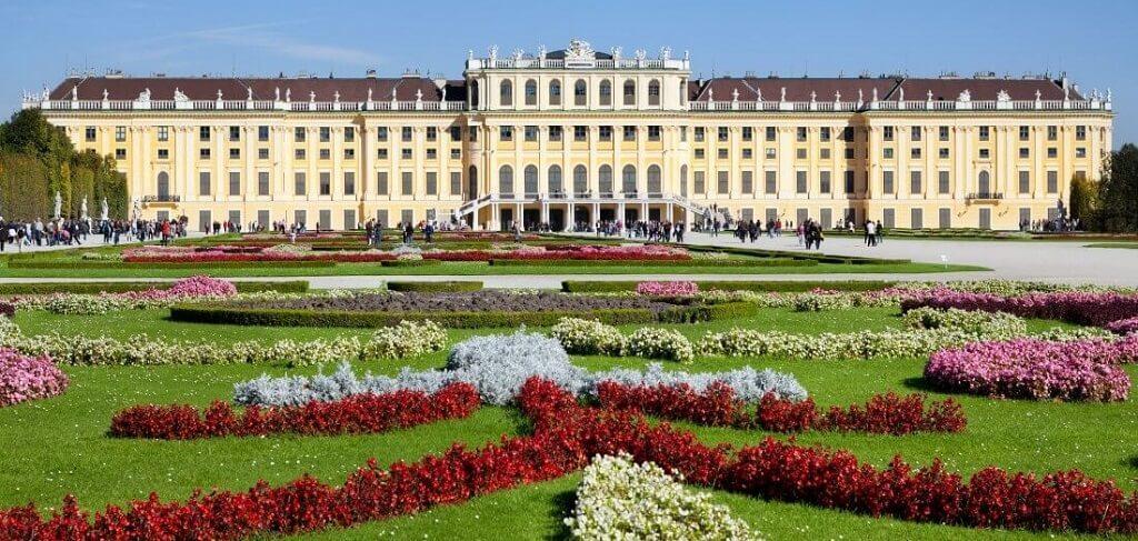Празнично настроение- Комбинирана екскурзия до Виена и Будапеща