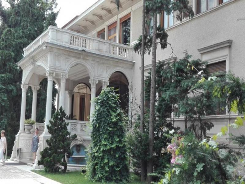 "Посещение на двореца ""Примавери"" в Букурещ"