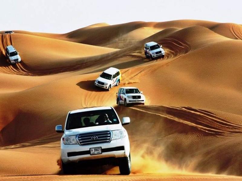 САФАРИ с джипове в пустинята