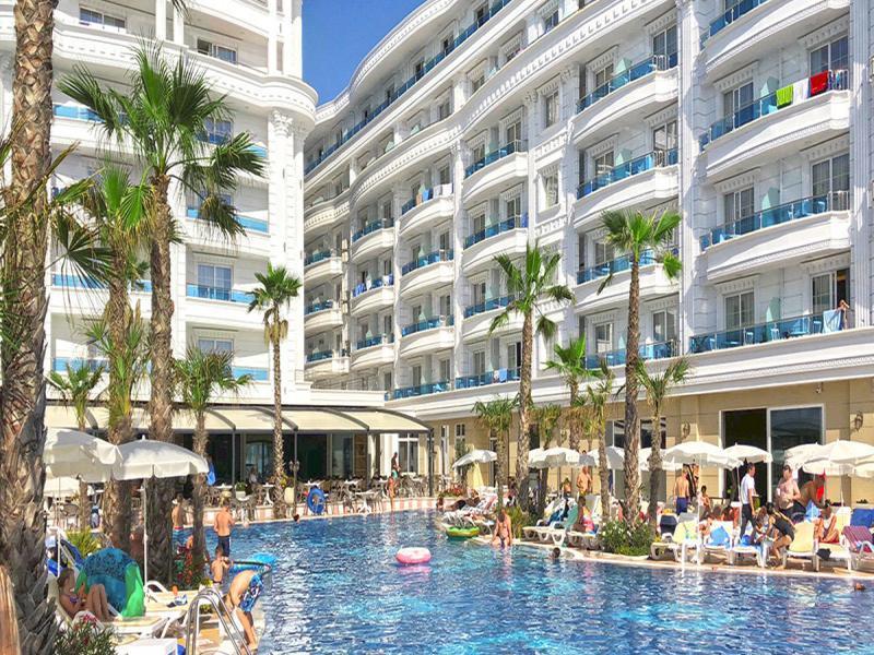 Fafa Resort или подобен