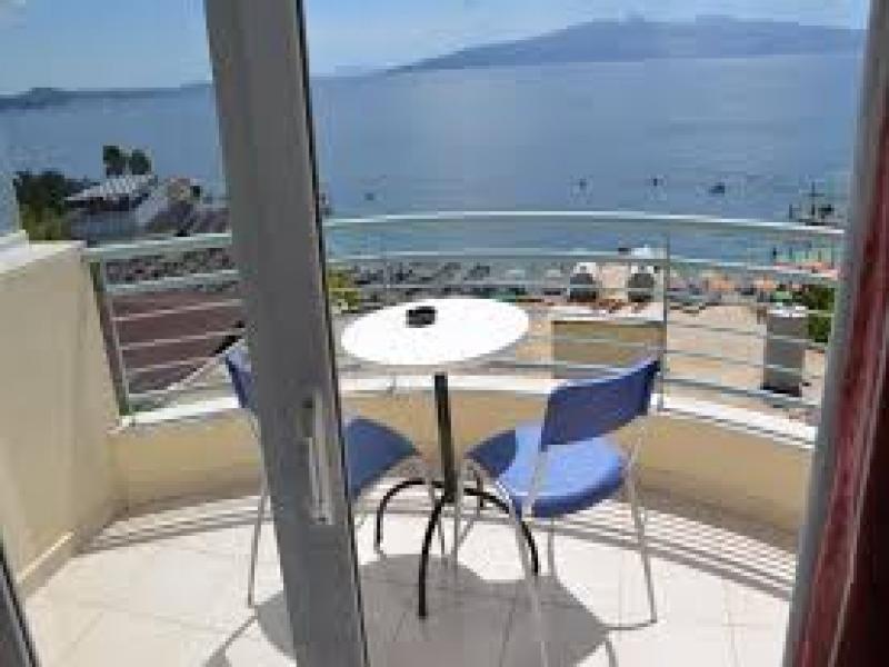 Hotel Epirus или подобен