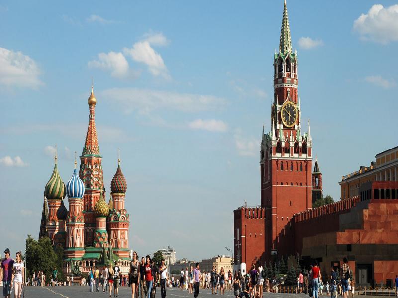 Москва и Белите нощи на Санкт Петербург