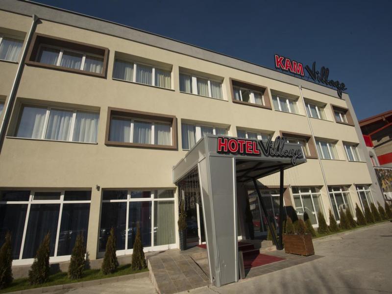 Hotel Village - или подобен