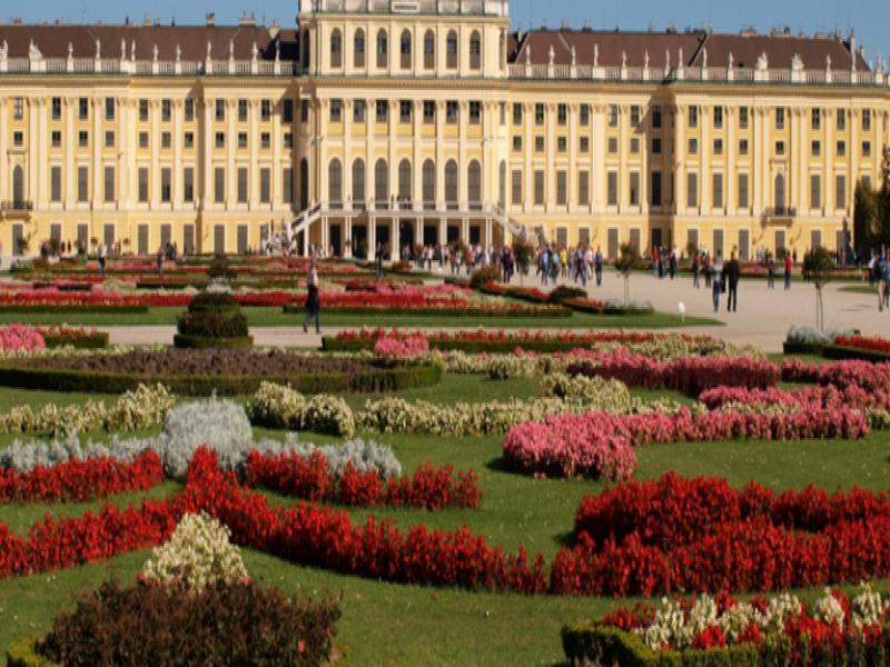 Кристална изящност, Виенски валс, и неповторима гениалност!