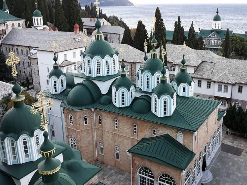 Атонските манастири