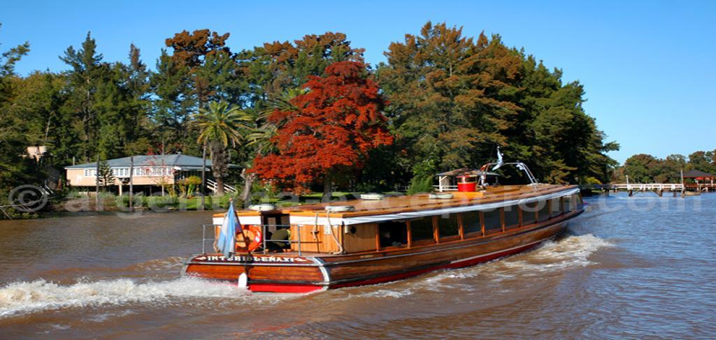 Разходка с корабче по Тигре и делтата на река Парана
