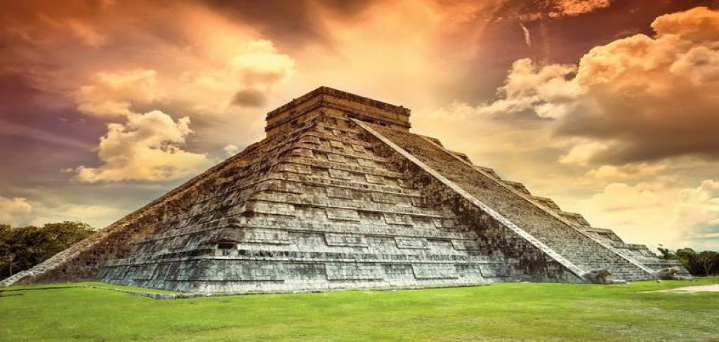 Екскурзия до древния град на маите Чичен Итца