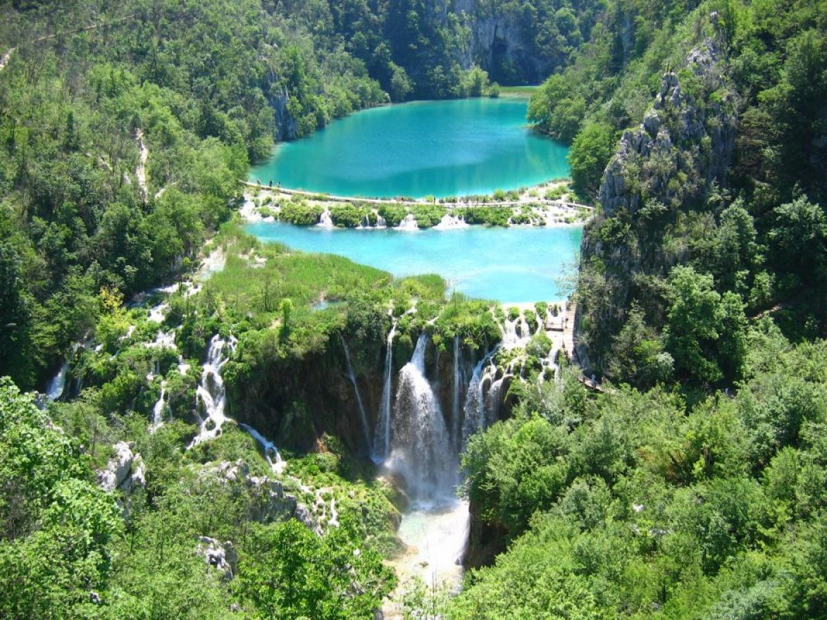 Екскурзия до Любляна, Постойна, Загреб и Плитвички езера