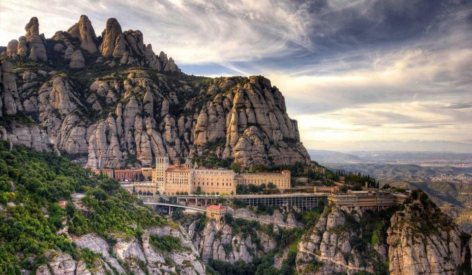 Полудневна екскурзия до манастира Монсерат
