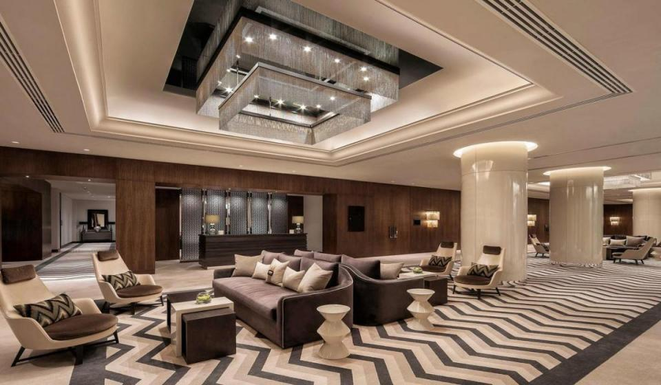 Pullman Dubai Creek City Centre 5*
