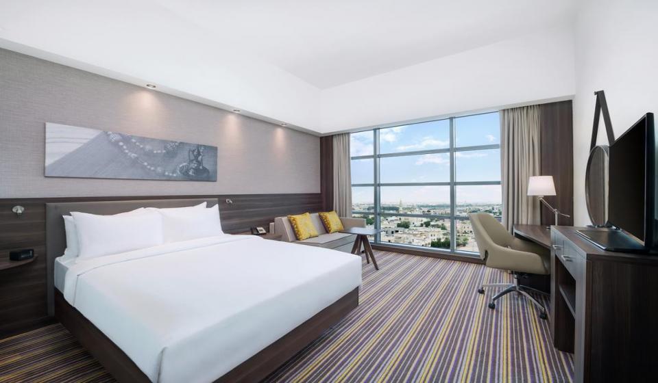 Hampton By Hilton Dubai Airport 3*