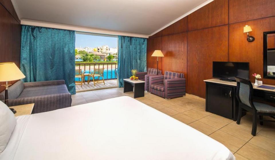 CAESAR PALACE HOTEL AND AQUA PARK