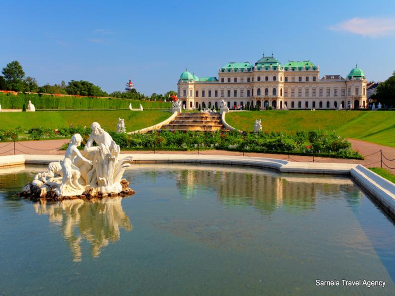 Разглеждане на двореца Шьонбрун