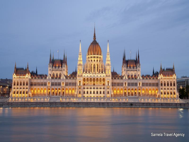 Разглеждане на Будапеща на кораб по Дунав