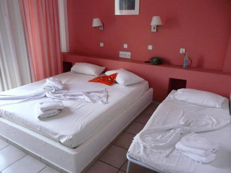 Хотел Trypiti Bungalows 3*