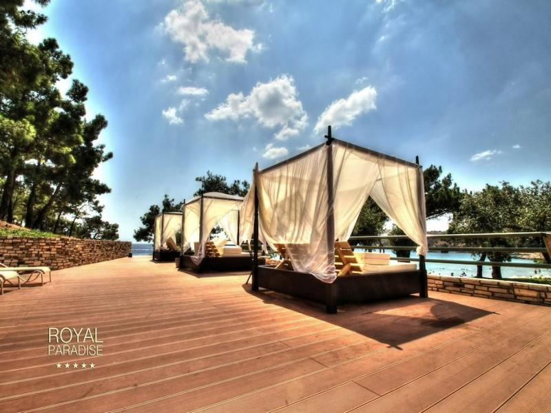 Хотел Royal Paradise Beach Resort & Spa 5*