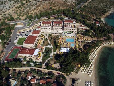 Хотел Royal Paradise Beach Resort & Spa 5*