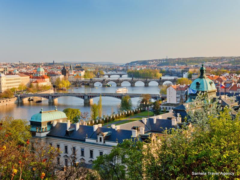 Екскурзия до Братислава, Прага и Виена 20.06.2018 самолет