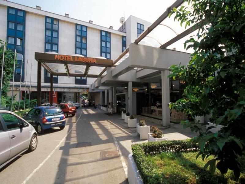 Hotel Laguna или подобен
