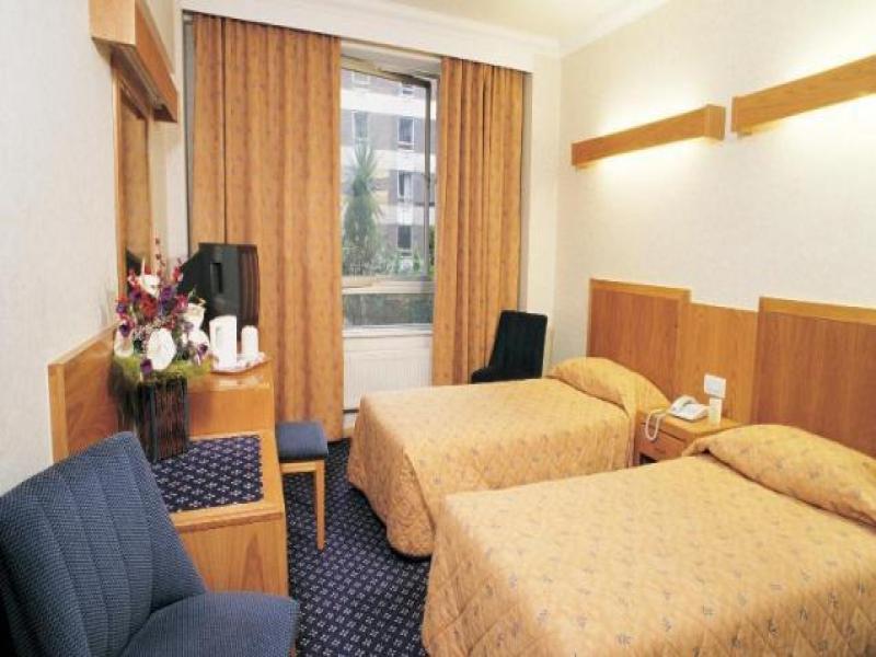 Hotel Royal National или подобен