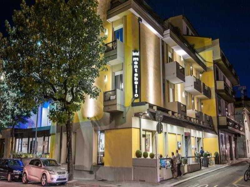 Hotel Montebello или подобен