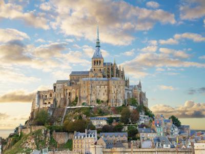 Екскурзия до Париж, Мон Сен Мишел и Замъците по Лоара  27.08.2019