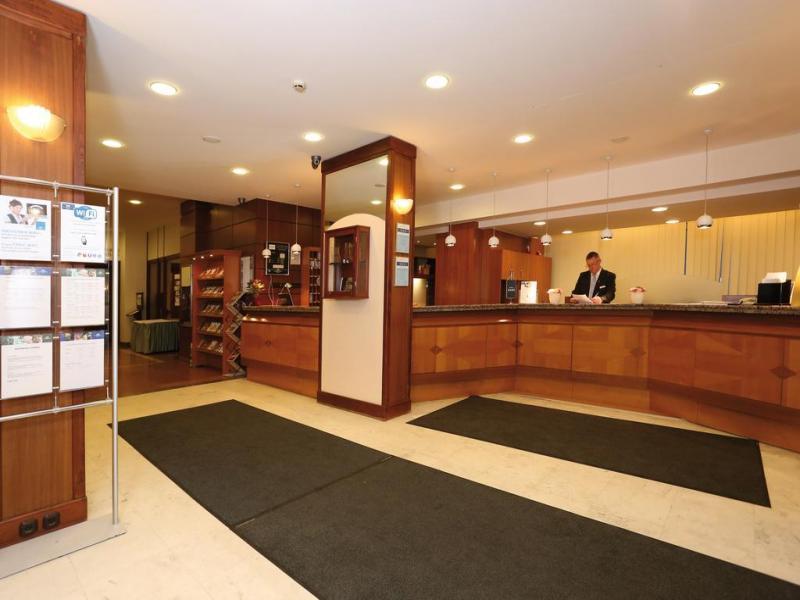 Hotel Raba City Center или подобен