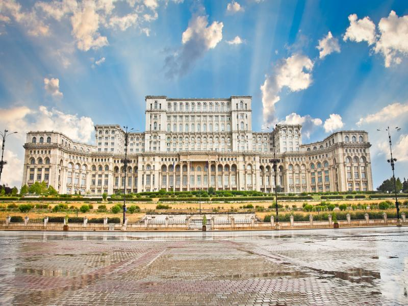 Букурещ - Замъкът на граф Дракула - Брашов - всеки месец през 2020