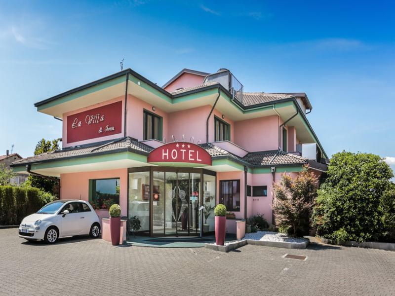 Hotel La Villa или подобен